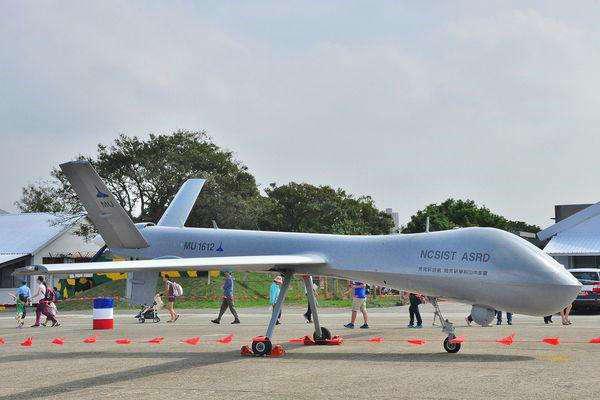 台军拟成立无人机侦察中队 未来或配备导弹