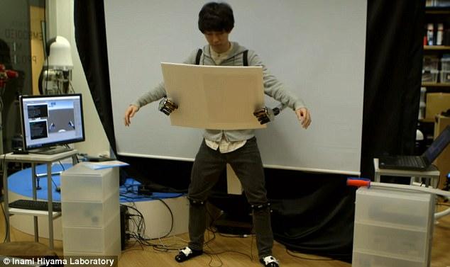 日本研发机械臂MetaLimbs  让你体验四只手臂感觉
