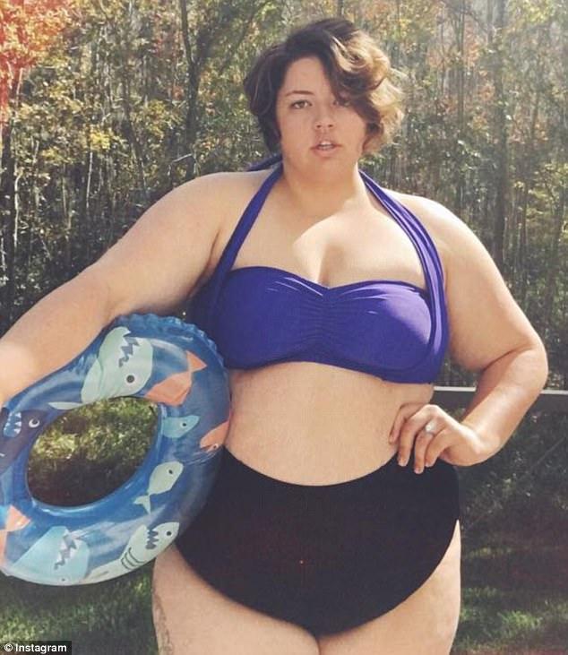 美女子体型巨大遭嘲笑 努力当上救生员