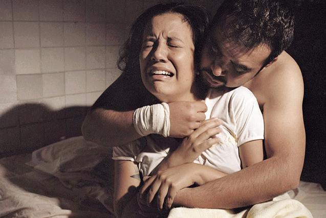 女同摄影师揭同性恋治疗诊所恐怖内幕