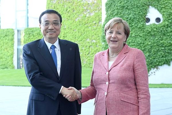 德国总理默克尔举行隆重仪式欢迎李克强总理到访