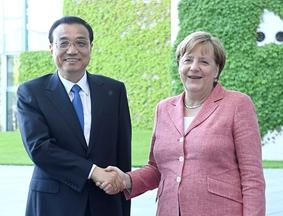 德国总理默克尔举行隆重仪式欢迎李克强到访