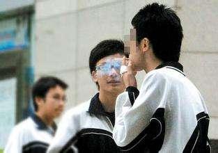 北京职高学生吸烟率达两成 学生吸引呈低龄化