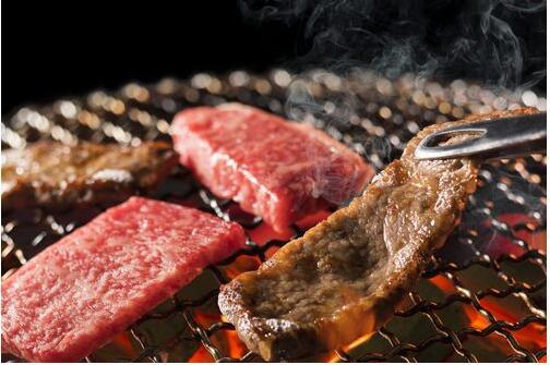 烤肉人气排行:牛舌是最受女生欢迎的烤肉部位!
