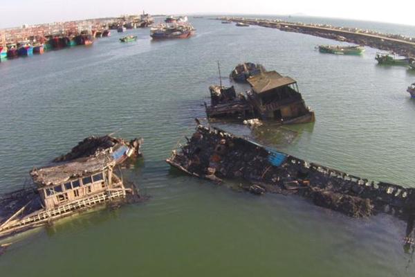 海南临高18艘渔船被烧毁 无人员伤亡
