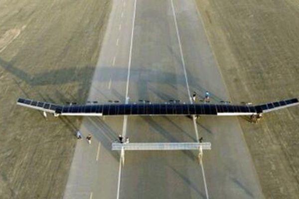 中国首款大型太阳能无人机完成20000米高空飞行