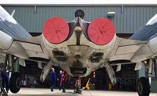 英军战机机腹迫降 世上仅存一架