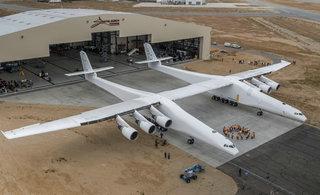 世界最大飞机出厂:可在万米高空发射火箭
