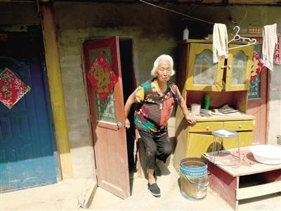 儿子走失80岁老母村中苦守10年:怕他回来找不到家