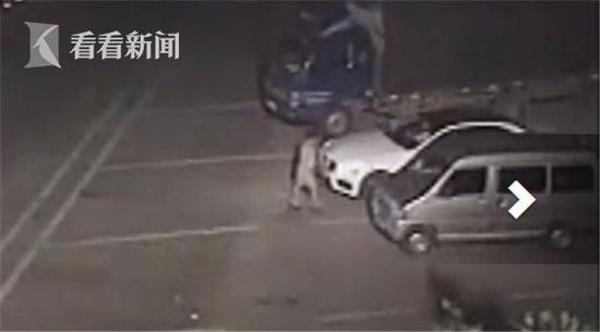 两男子出狱后欲抢劫女司机 因见对方开奔驰仇富