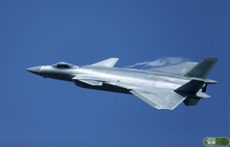 美媒对比中俄最新隐形战机:歼20比T50有一大优势