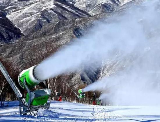 雪友福利!万龙滑雪场新添125台苏法格造雪机