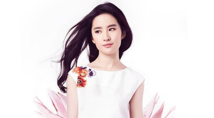 刘亦菲的饱满发际线 居然能用化妆搞定它