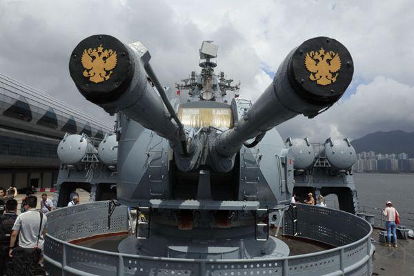 """俄太平洋舰队旗舰""""瓦良格号""""非官式访问香港"""