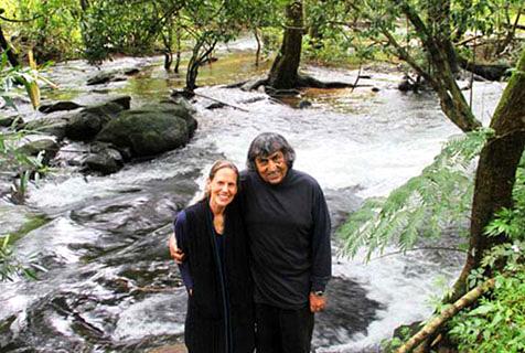 夫妇印度买荒地 花26年种出热带雨林