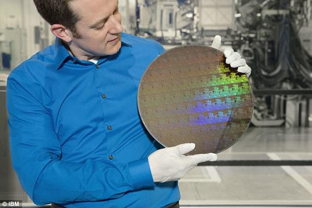IBM与三星联合打造超微芯片 性能大幅提升