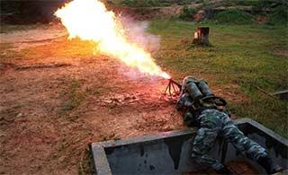 国产火焰喷射器威力有多猛