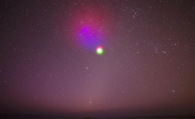 "NASA将发射红绿色人工""彩云"" 8分钟即消散"