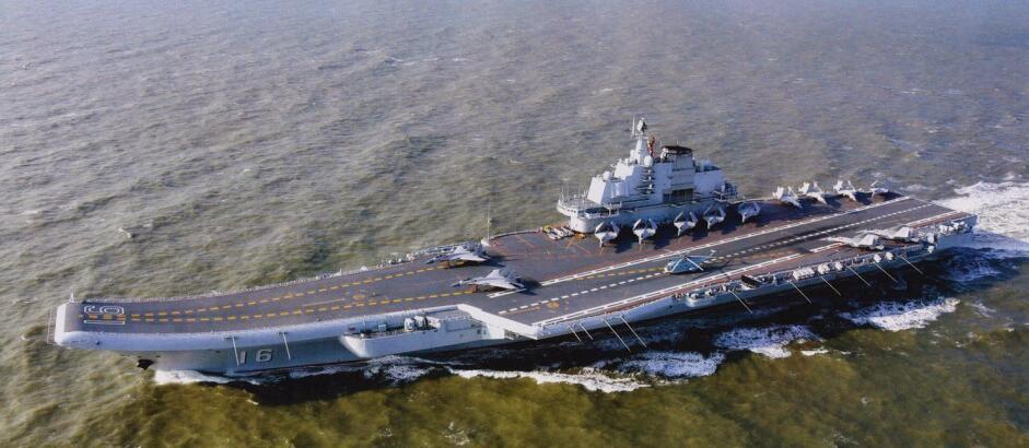 专家:13架歼15现身辽宁舰甲板 已经接近极限