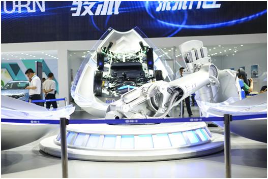 重庆车展亮点多 长安集团携手车势科技推出数字经销店