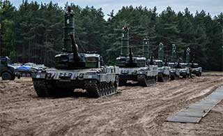 波兰豹2坦克过河装上这特殊设备