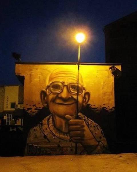 """""""呼之欲出""""的街头艺术图片"""