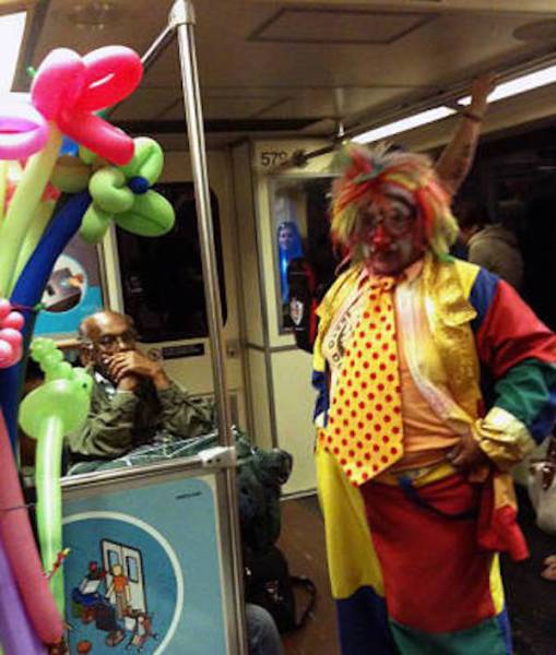 公共交通工具上的奇葩图片