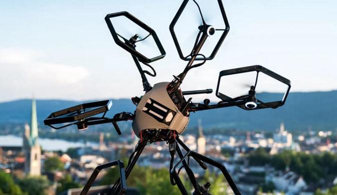 十二自由度无人机来了 360度自由翻转不成问题