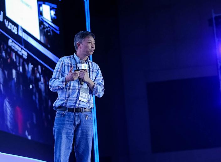 全新系统架构YunOS 6发布,软硬整合打造核心产品