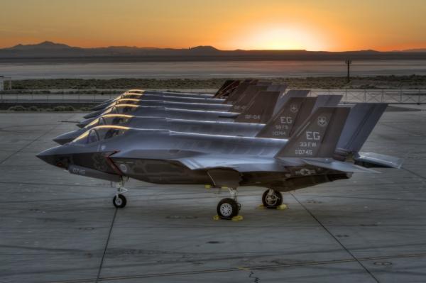 再出故障!美空军F35战机因供氧系统故障停飞