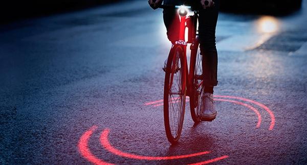 """走夜路神器 这款设备让自行车自带""""光环"""""""