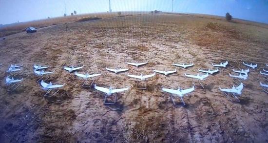"""中国又创新记录!119架无人机""""群飞""""领先美国"""