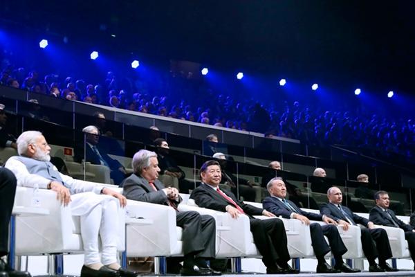习近平出席阿斯塔纳专项世博会开幕式