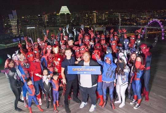 《蜘蛛侠:英雄归来》降临空中花园 嗨翻新加坡