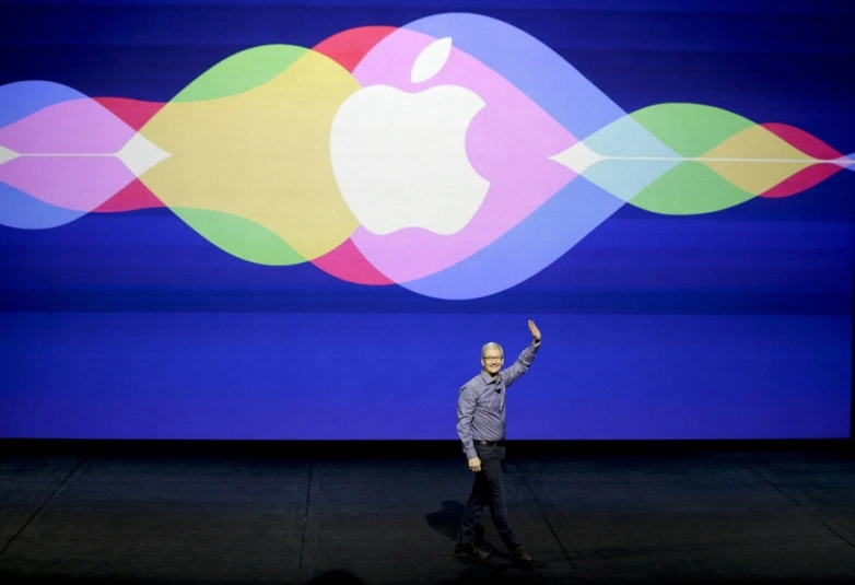 库克谈苹果产品融入AI技术 否认落人之后