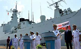 海军远航访问编队抵达巴基斯坦