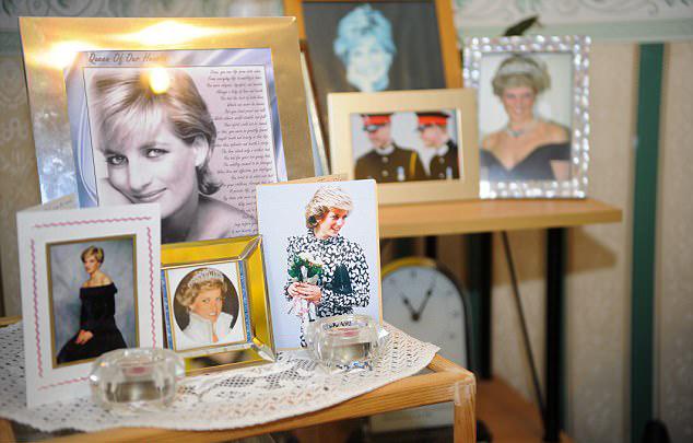 英戴安娜王妃铁杆粉丝拟公开展出个人藏品