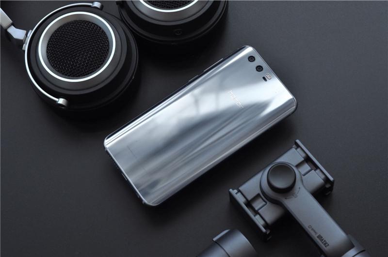 荣耀9实拍美图 海鸥灰色搭配3D曲面极光玻璃