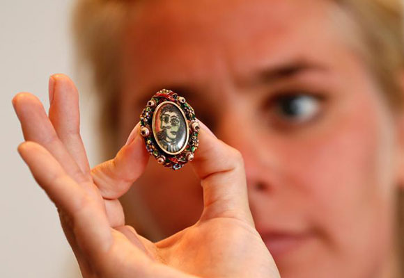 毕加索亲自设计制作戒指将拍卖 估值50万英镑