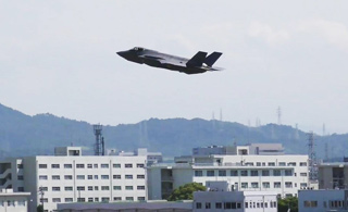日本首架自行组装F-35战斗机首飞