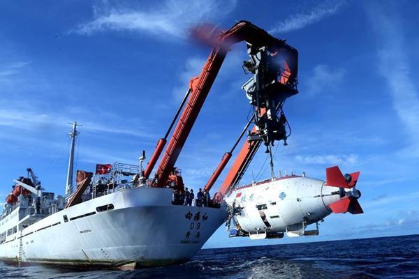 """""""蛟龙""""号进行中国大洋38航次最后一潜"""