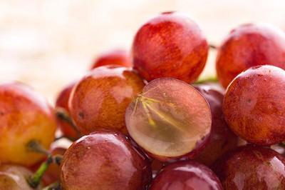 葡萄无籽是蘸了避孕药吗
