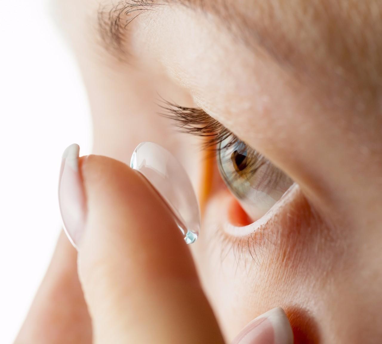 隐形眼镜怎么选怎么戴,才不毁眼睛?