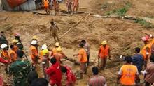 孟加拉国山体滑坡 已致71人遇难