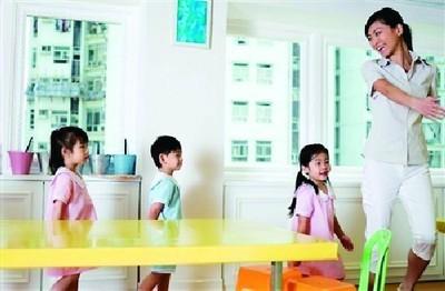 工作压力大工时长待遇差 香港近四成幼师想转行