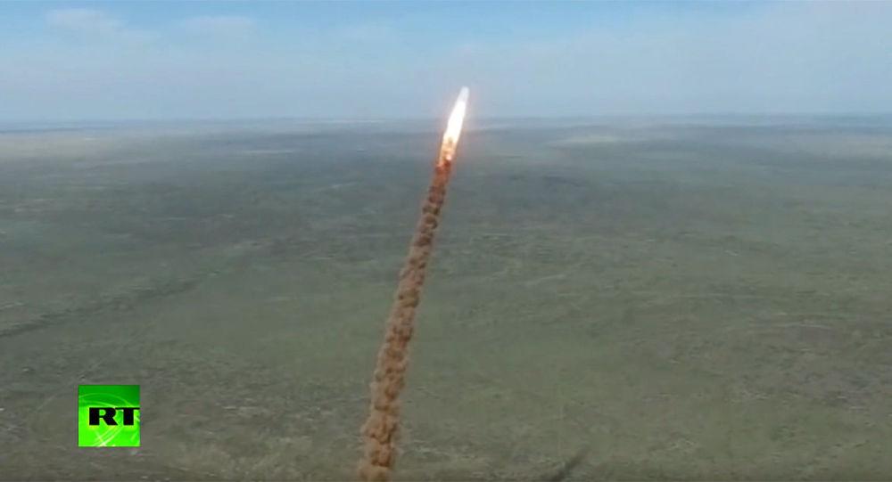 俄军宣布成功测试反导系统 对目标进行打击