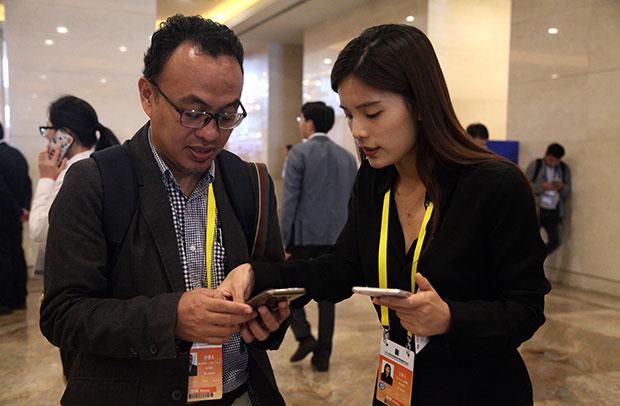 环球网记者与印尼安塔拉通讯社驻华记者伊樂凡现场交流
