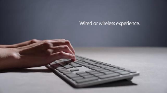 来看这款微软无线键盘 指纹识别键让你再也不用输密码
