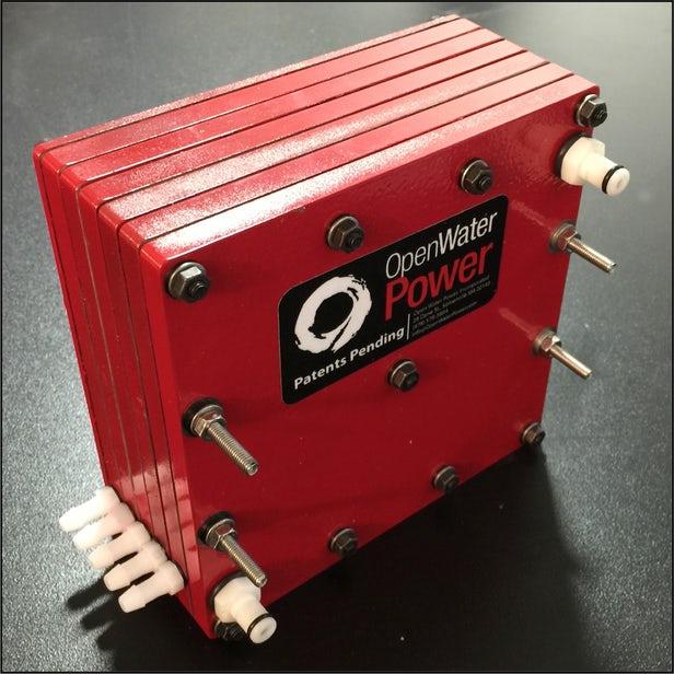 无人水下潜航器电池通过吸入海水来增加续航里程