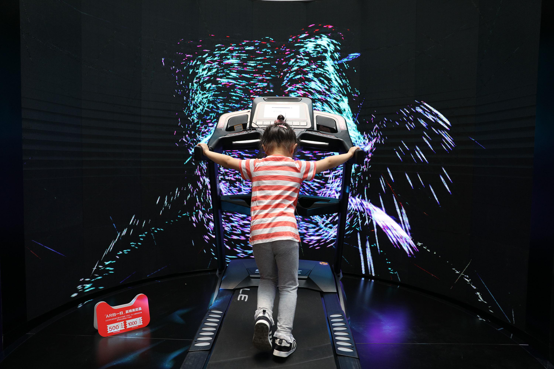 天猫618服饰10分钟成交破10亿 跑步机同比增长超300%